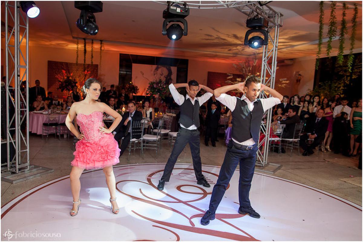 Dançando com os animadores