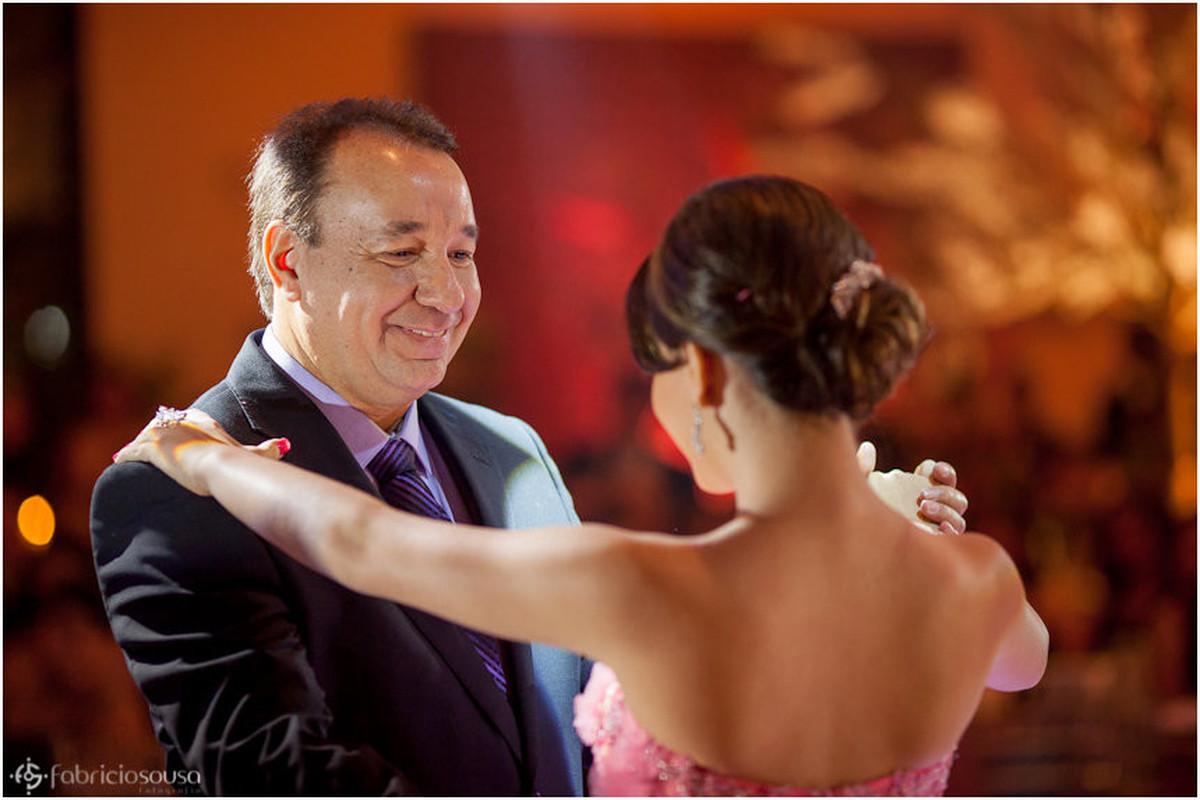 Abrindo a pista de dança com o pai