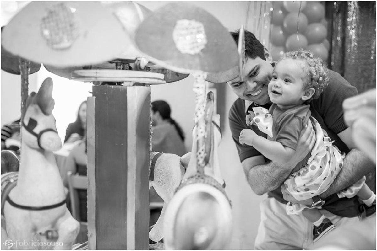 Aniversário infantil  1 ano Vinícius em Belém preto e branco