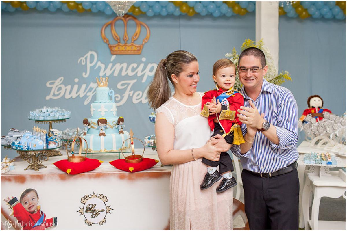 casal comemora o aniversário de 1 ano do filho Luiz Felipe