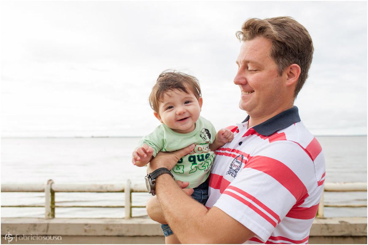 Kleber com seu filho no colo