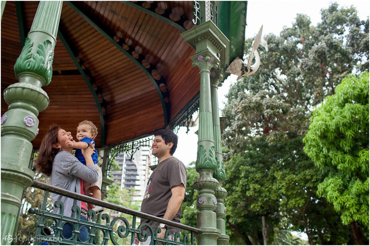 Família na praça Batista em Belém