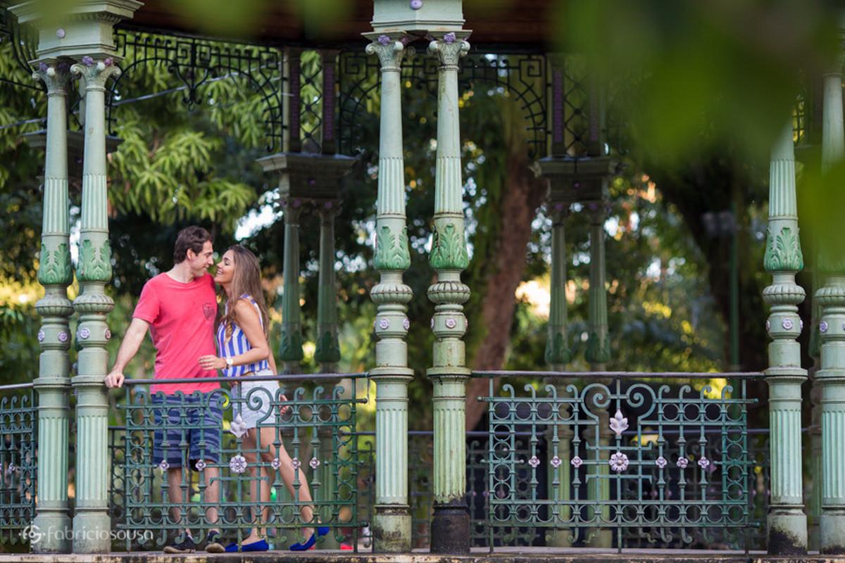 ensaio pre-casamento Kelly e Leonardo no coreto da praça
