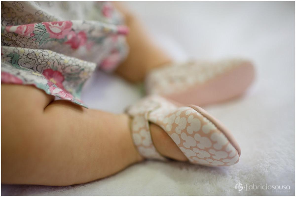 Detalhe das perninhas da pequena Pri