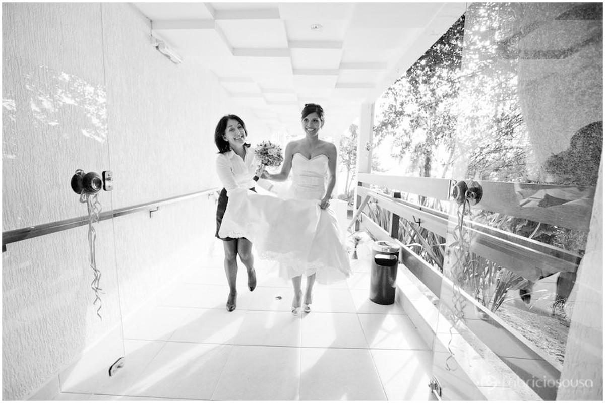 cerimonialista Patricia Lima leva Carol para cerimonia de casamento