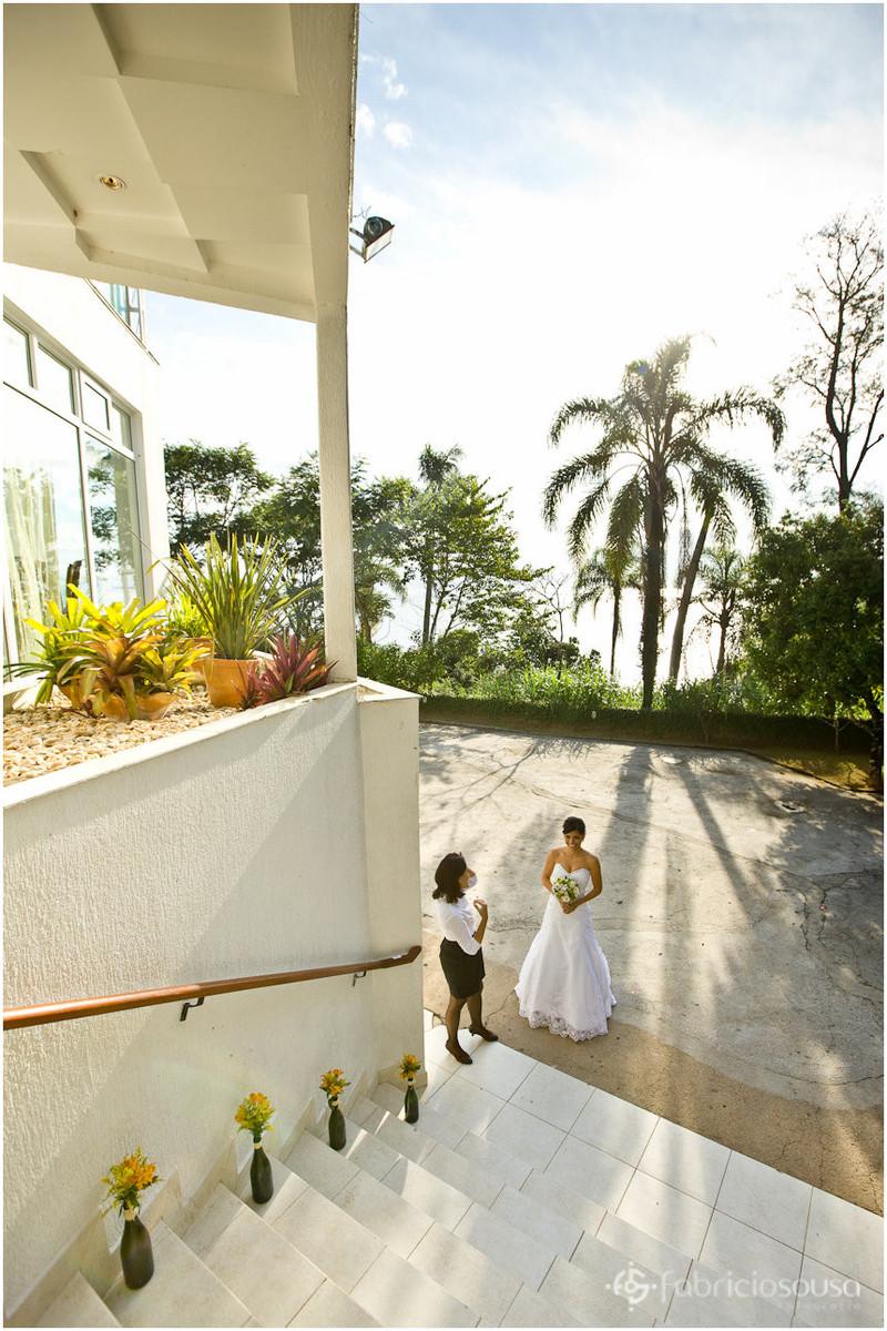 cerimonial Patricia Lima com a noiva prestes a entrar