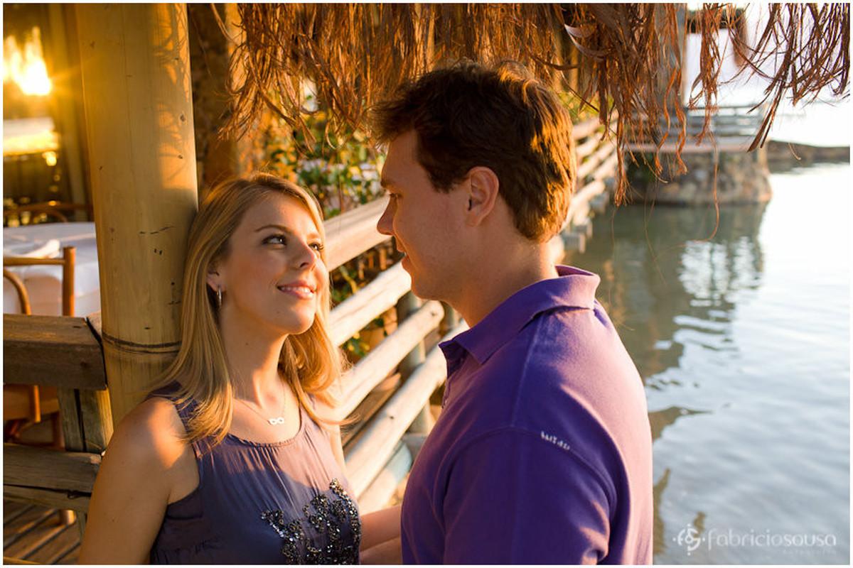 ensaio de casal no restaurante Porto do Contrato no Ribeirão