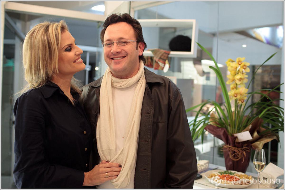 Casal comemora o aniversário de 3 anos da loja Ana Bauer Exclusive Style