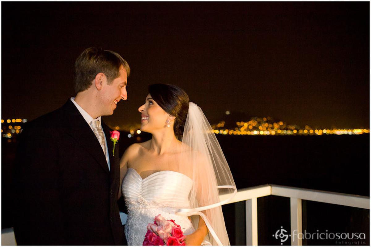 Gabriela e Derick se casaram no Terraço Cacupé