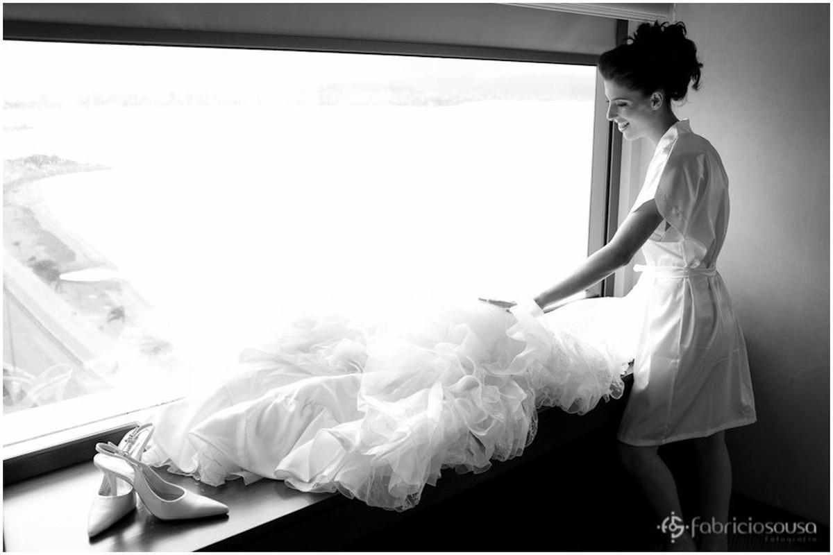 Leidiane confere o vestido