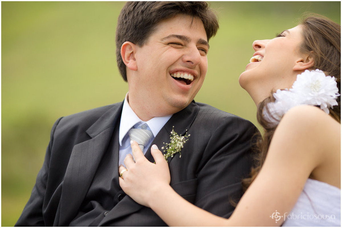 Trash The Dress Leidiane e Filipy sorridentes