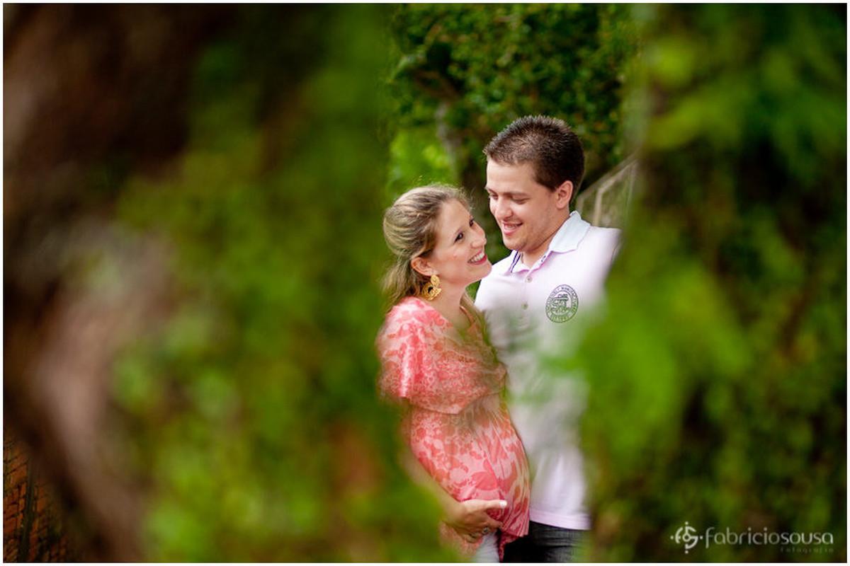 Gestante Rafaela e Jonatah felizes