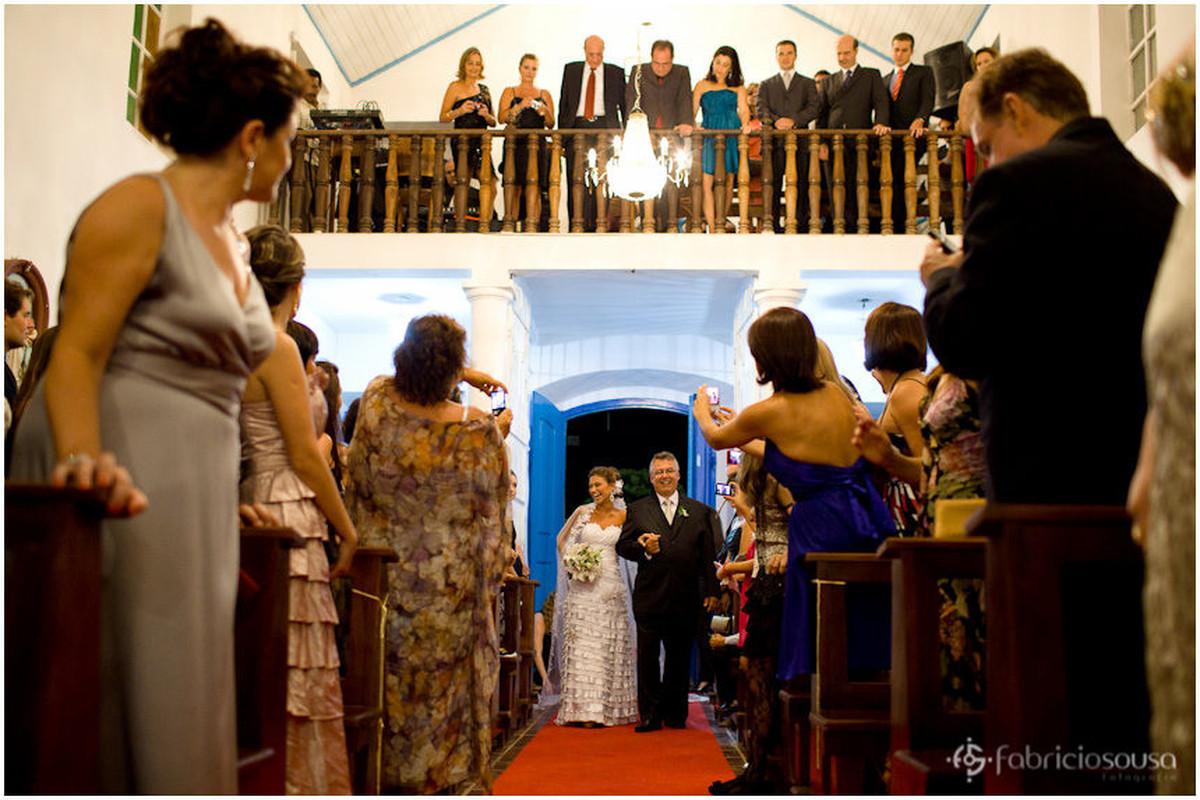a entrada da noiva na igrejinha