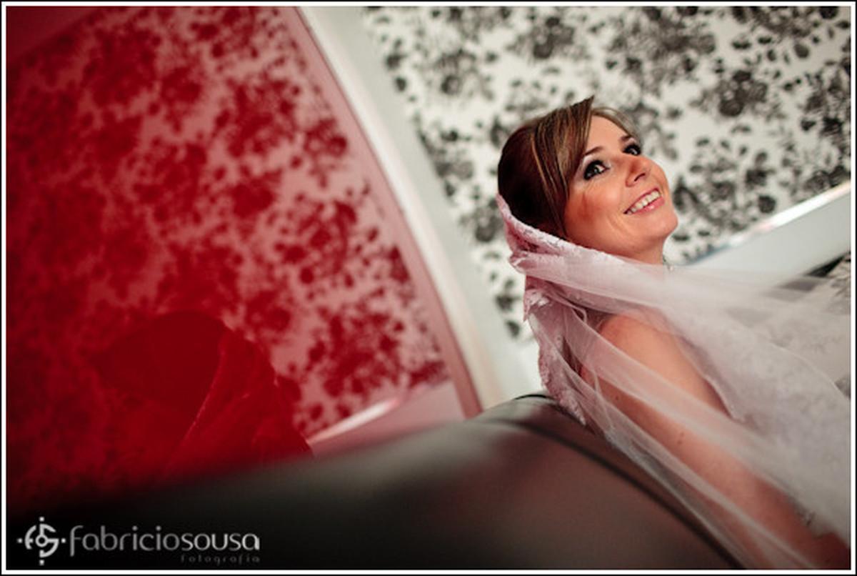 Noiva posa para foto em casamento em Ijui - RS