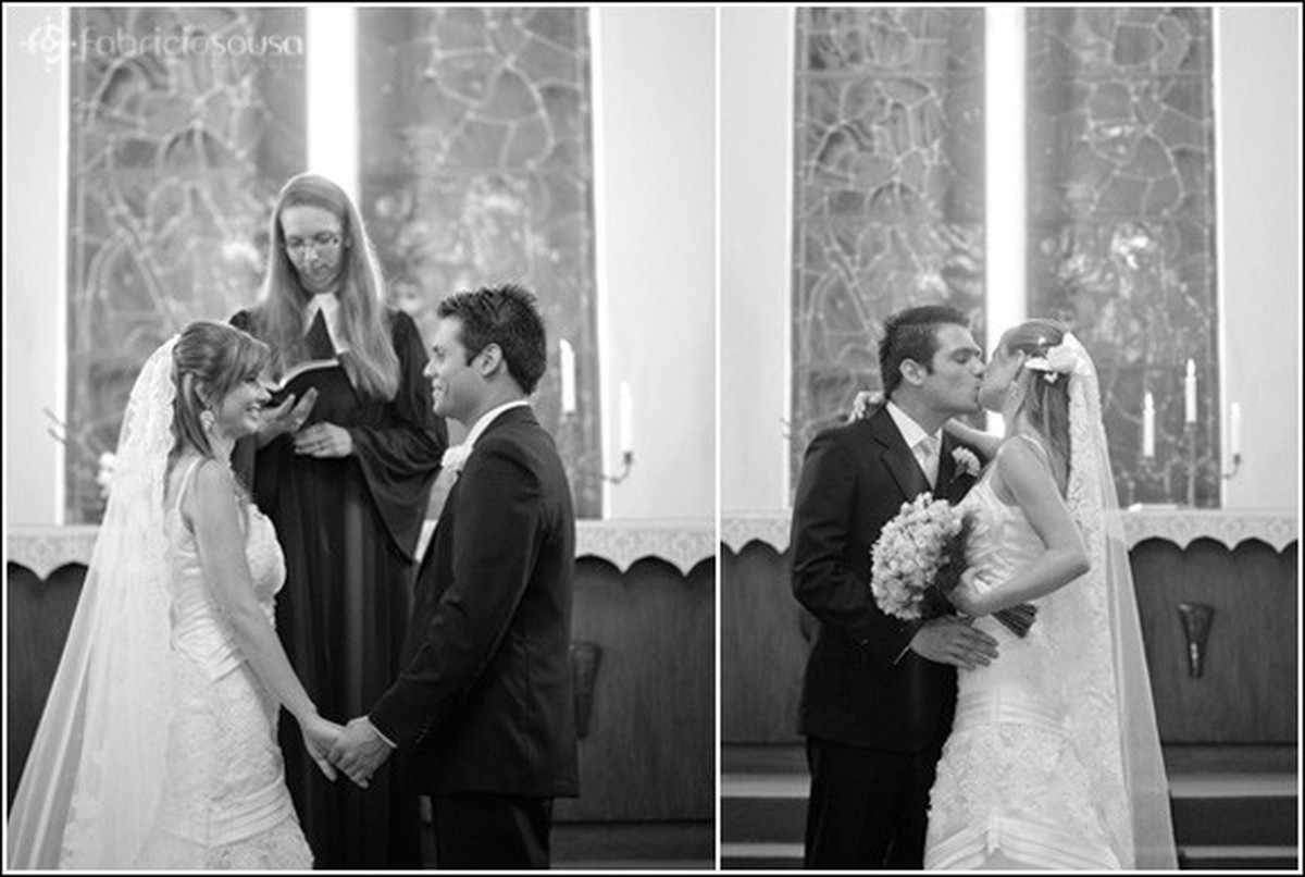 Montagem de duas fotos, à esquerda noivos se olham de mãos dadas, à direita casal se beija p