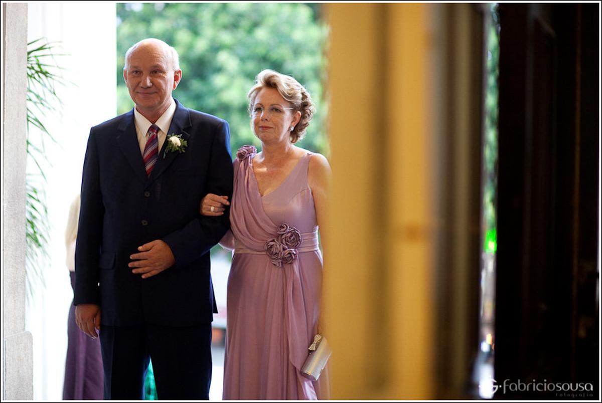 Pai e mãe da noiva Leila entrando na Catedral de Florianópolis