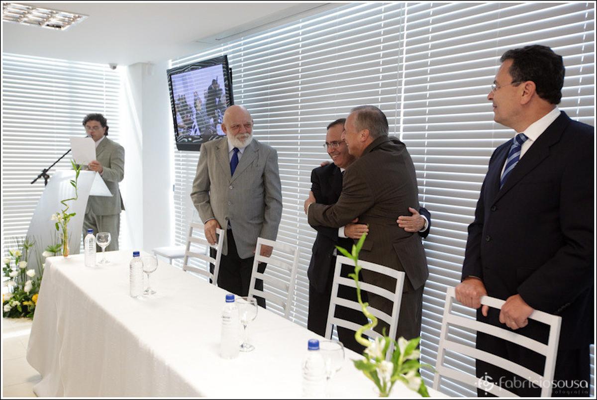 abraços de fecilitações para a nova Unimed Mercosul