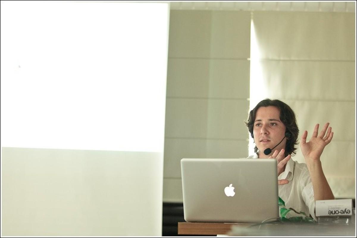 Workshop de Fluxo Digital na era da informação. Como organizar e trabalhr com seus arquivos digitais JPG x RAW