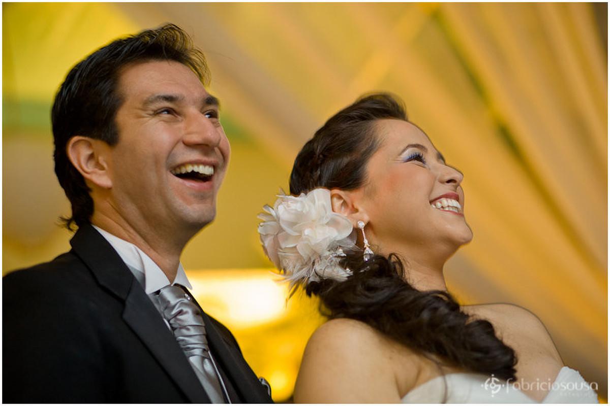 Helen e Eric sorriem felizes