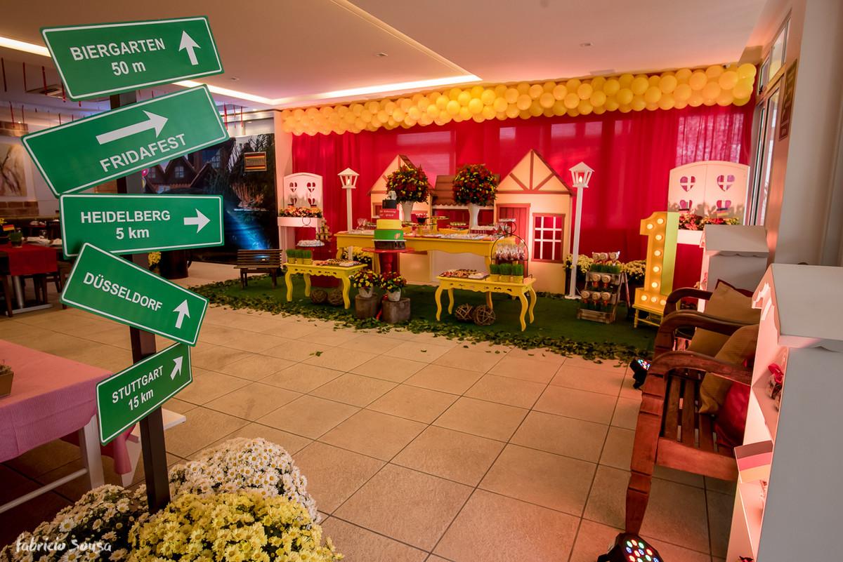 plaquinhas que levam a festa infantil com temática alemã oktoberfest