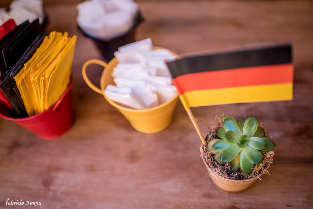 detalhe lindo da suculenta com a bandeira da alemanha