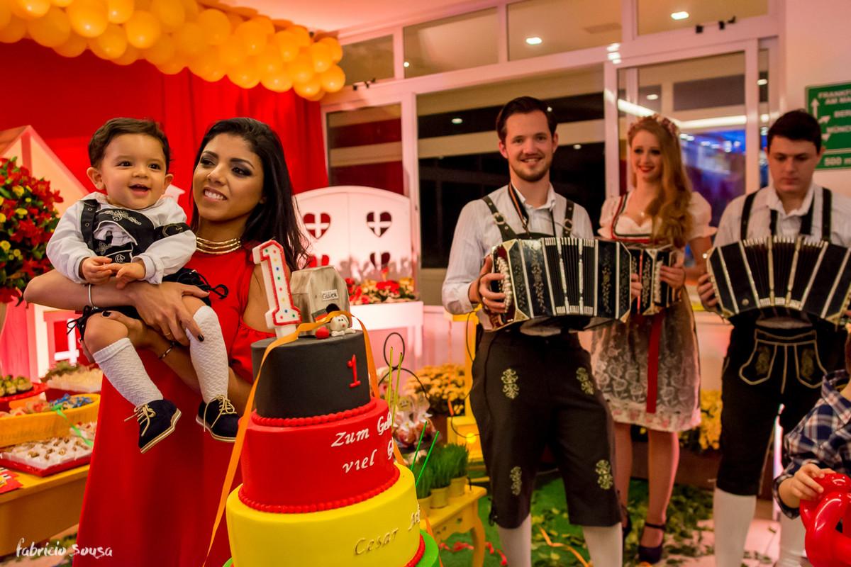 parabéns em alemão com as sanfonas tocando