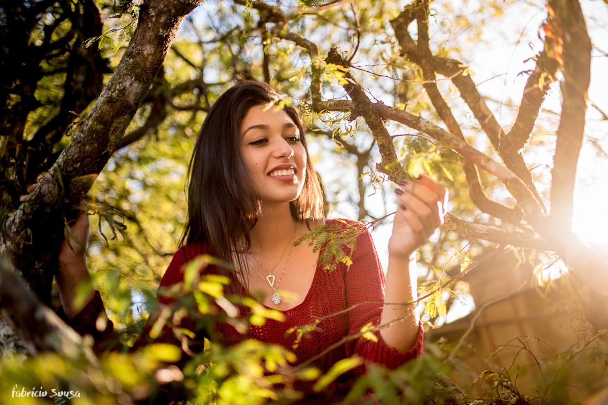 Amelie adora explorar seu jardim de inverno