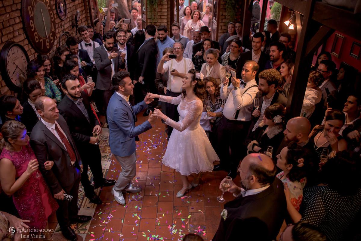 a primeira dança do casal - valsa