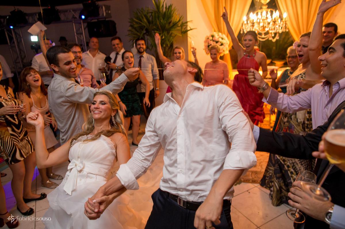 Noivos também entram na dança