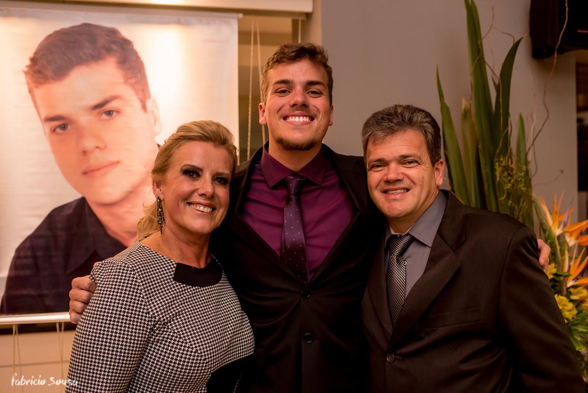retrato do formando com seus pais
