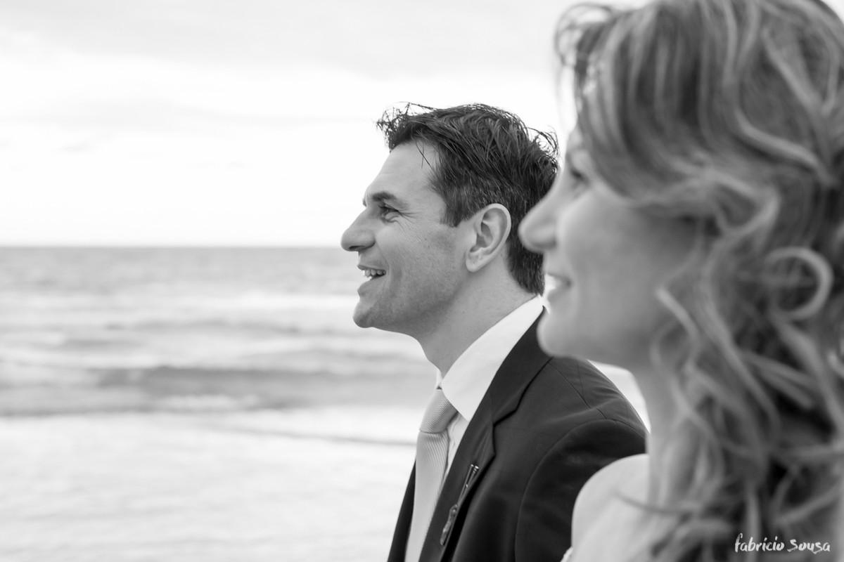 perfis dos noivos a beira do mar