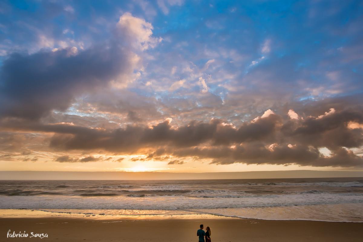 a imensidão da praia do Campeche ao nascer do sol