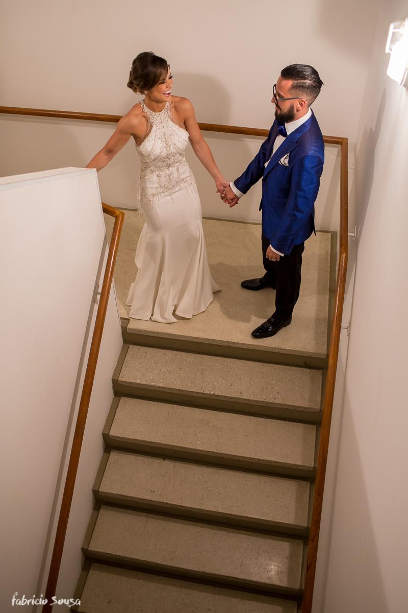 retrato do casal na escada do Parador do Estaleiro
