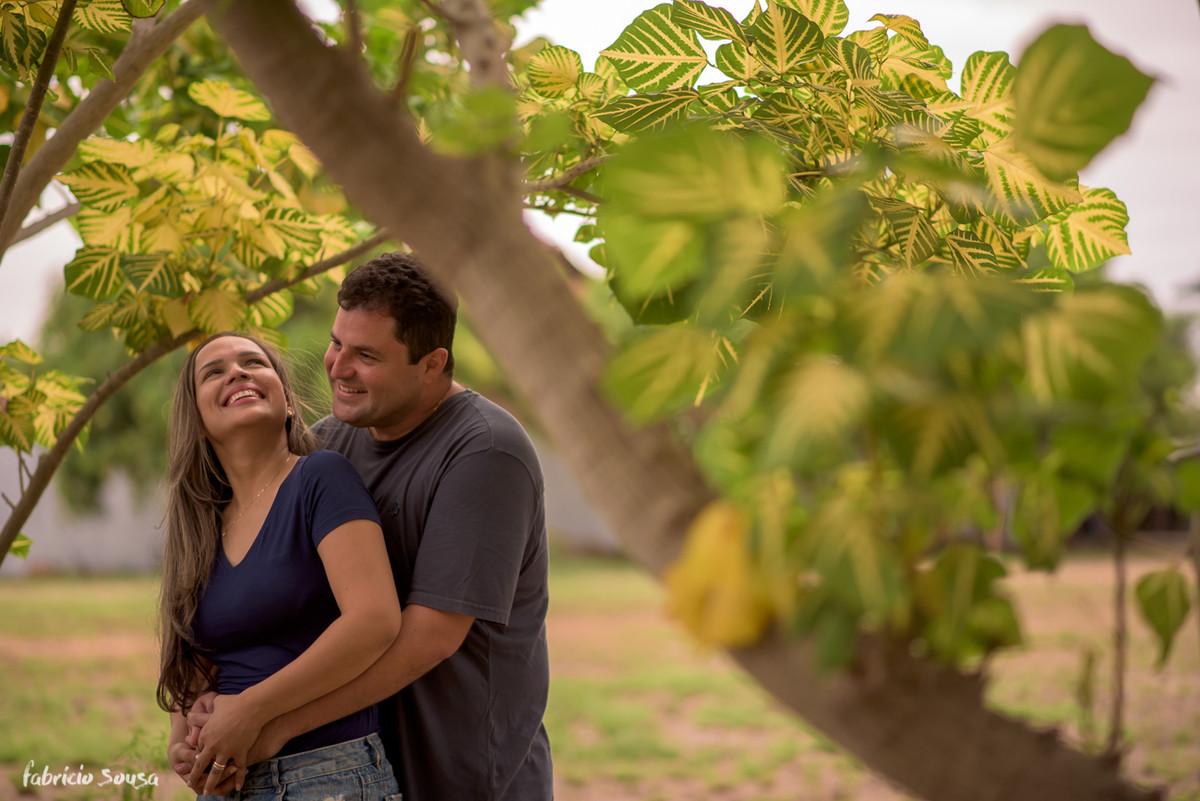 retratos de casal no meio de sessão fotográfica de família