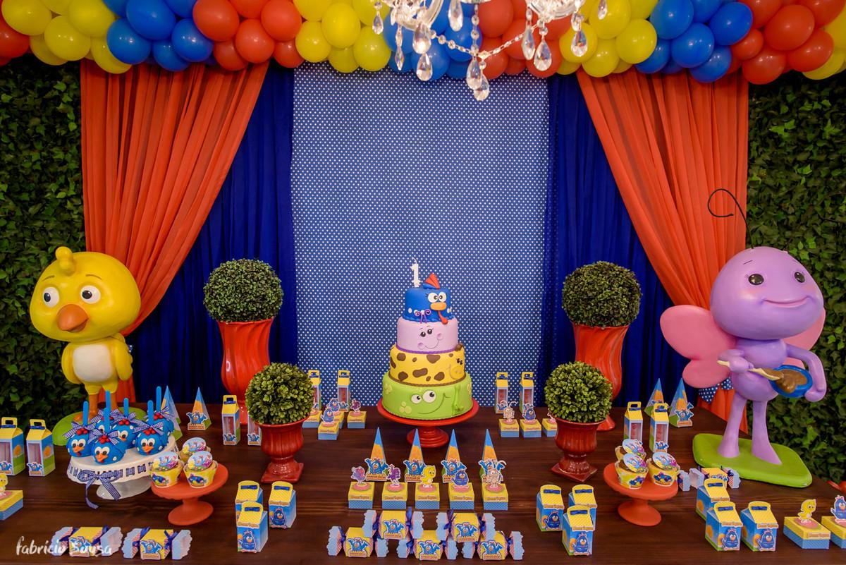 bolo da galinha pintadinha no Balangolé festas presidente coutinho Florianopolis