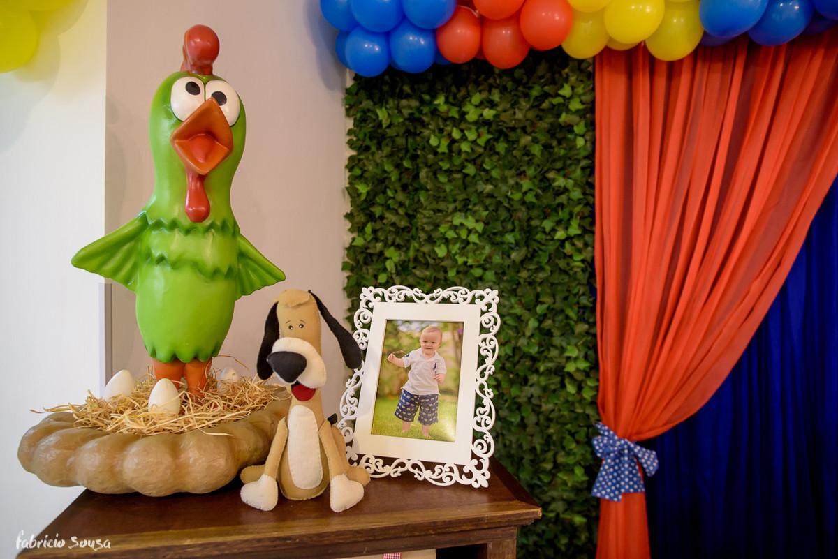 porta-retrato na decoração do primeiro aniversário do Henrique