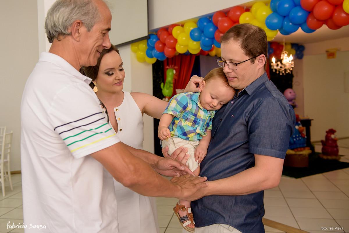bebe dengoso com mamae papai e vovo