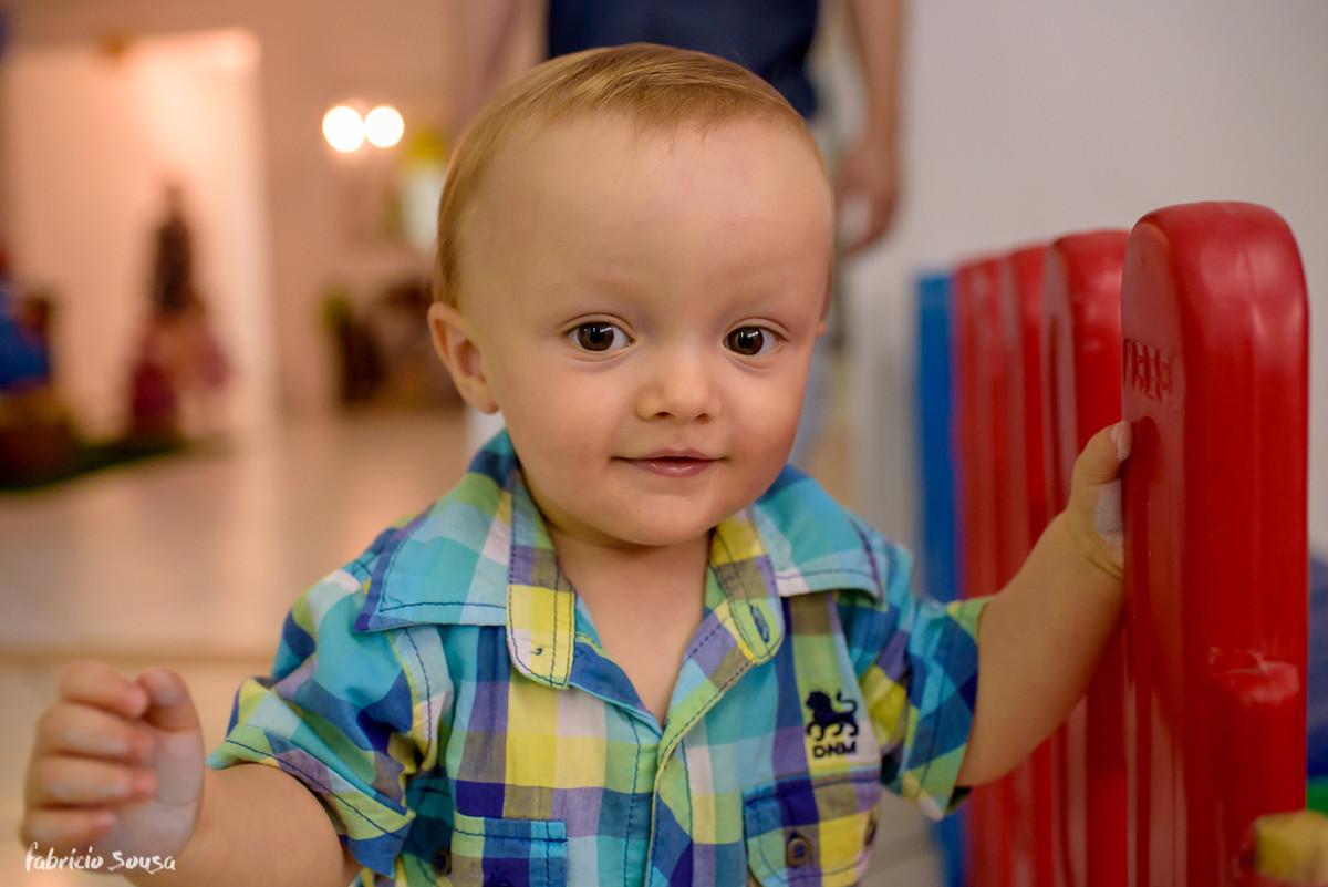 retrato close do aniversariante Henrique - primeiro aninho - 1 ano infantil
