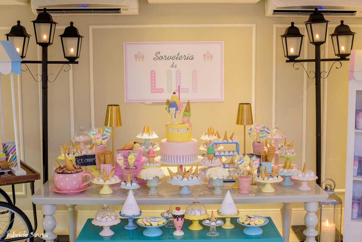 mesa decorada aniversário infantil tema sorvete sorveteria