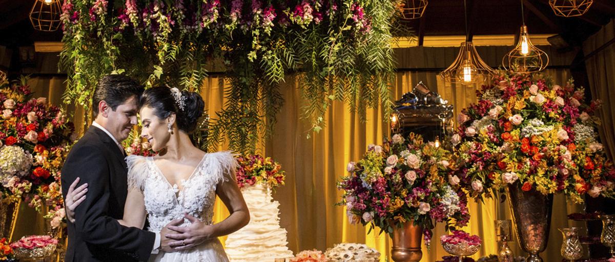 Imagem capa - Filmagem de Casamento em Macatuba/SP - Igreja Matriz e festa Chácara Engenho Lençóis Paulista/SP por Couple Films
