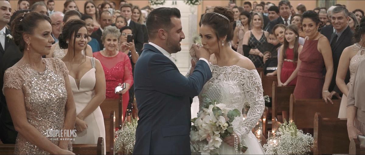 Imagem capa - Filmagem de Casamento em Pirajuí/SP - Igreja Matriz São Sebastião e festa no clube da cidade por Couple Films