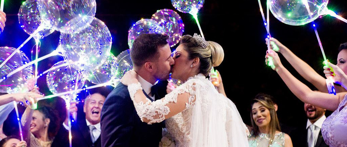 Imagem capa - Filmagem de casamento em Itajú - Festa no Umuarama Clube de Bariri- Couple Films por Couple Films