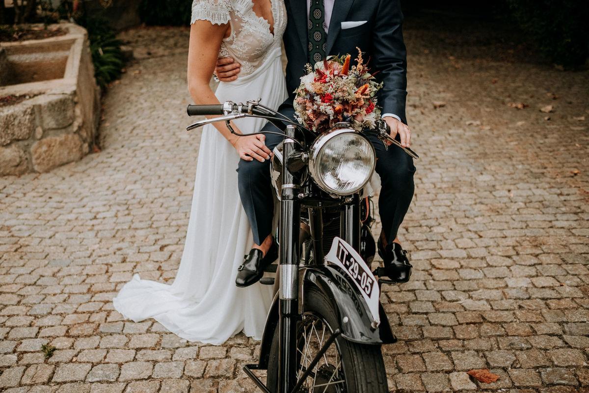 Imagem capa - Waiting for Autumn - Wedding Highlights por Feel Creations - Wedding Photo & Film