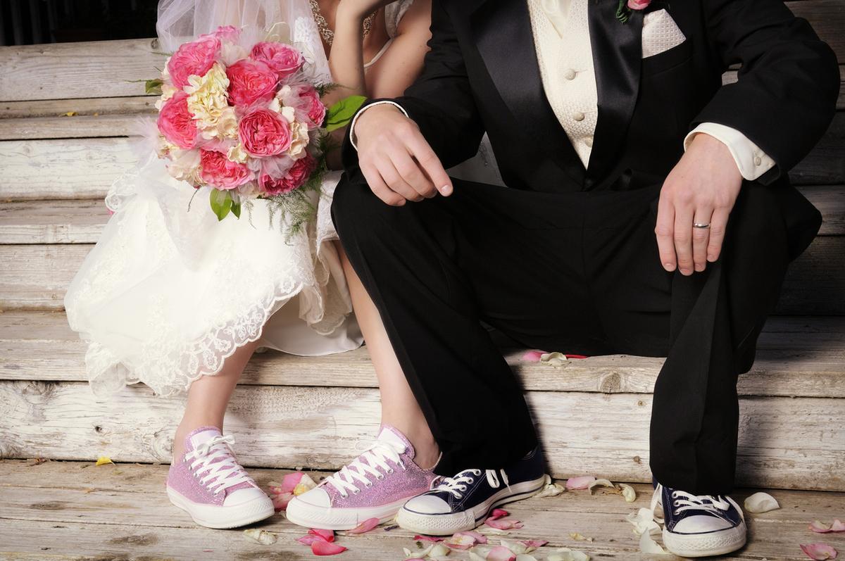 Imagem capa - Dos de cada tres parejas españolas que no quieren la típica boda quieren la típica boda que no parece la típica boda por Cocco Photography