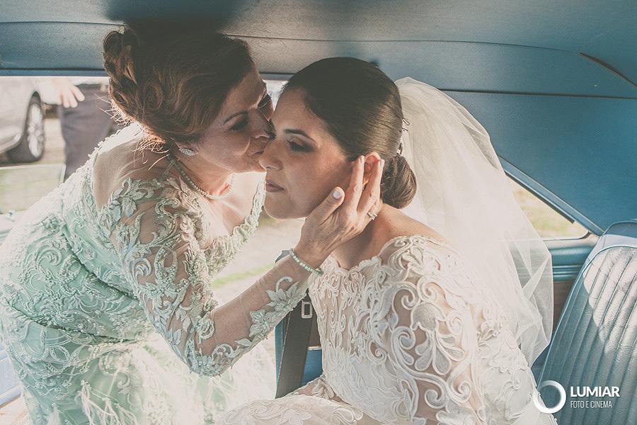 Imagem capa - A roupa para a mãe dos noivos. por Claudemir Tabosa Silva ME