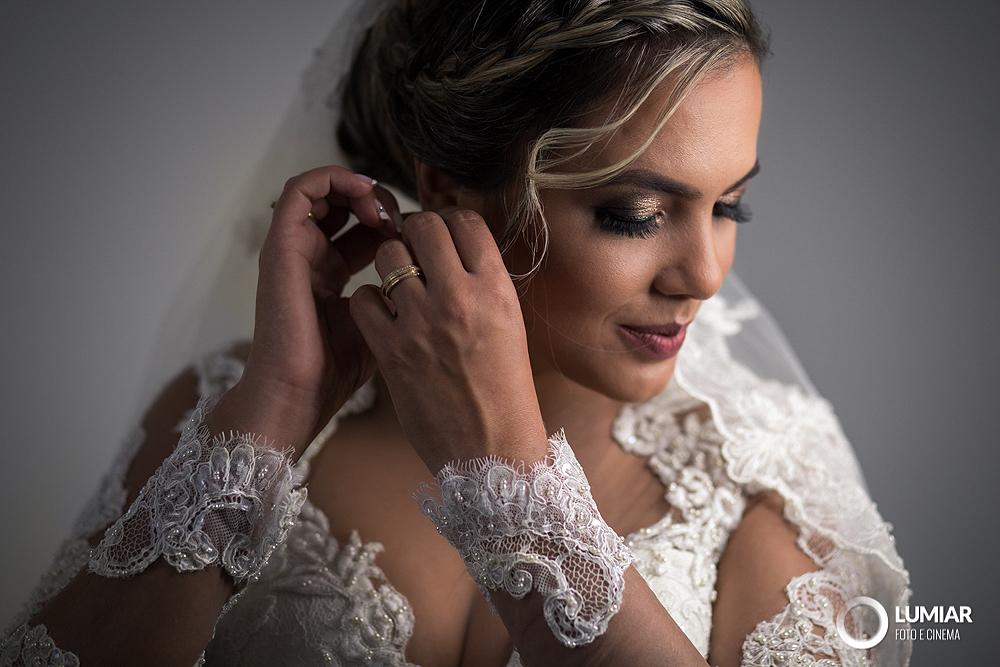 Imagem capa - Qual o melhor vestido para casar no inverno? por Claudemir Tabosa Silva ME
