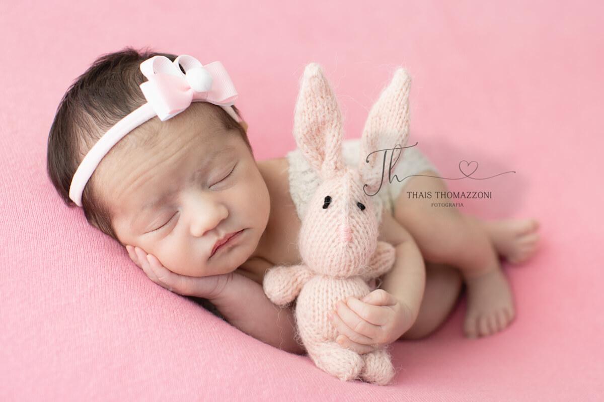 Imagem capa - Como funciona o ensaio de Newborn por Thais Thomazzoni