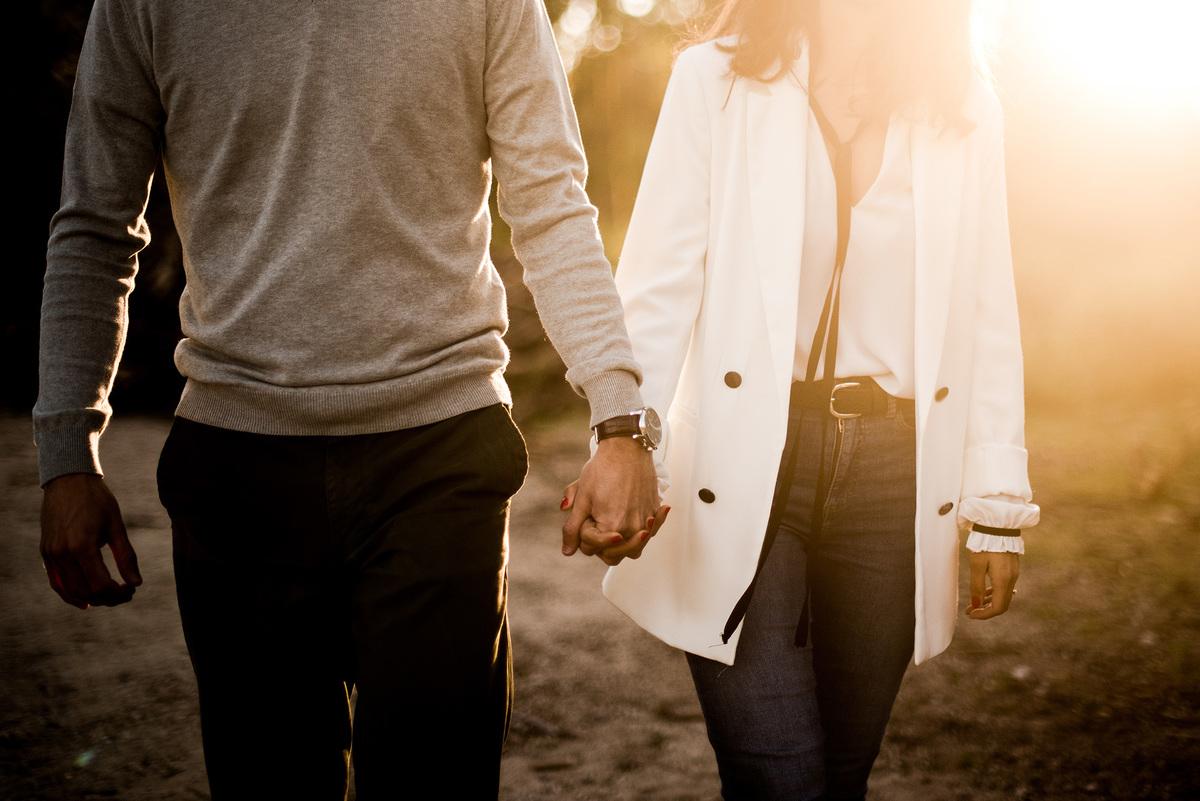 Imagem capa - Primeiros passos assim que ficam noivos por Mariana Castanheira