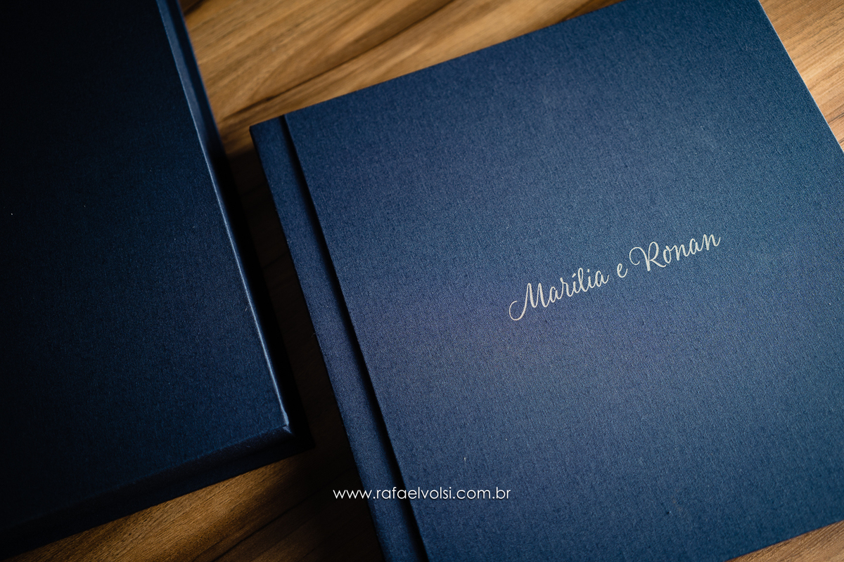 Imagem capa - Álbum Tecido Linho Azul - Marília e Ronan por Rafael Volsi