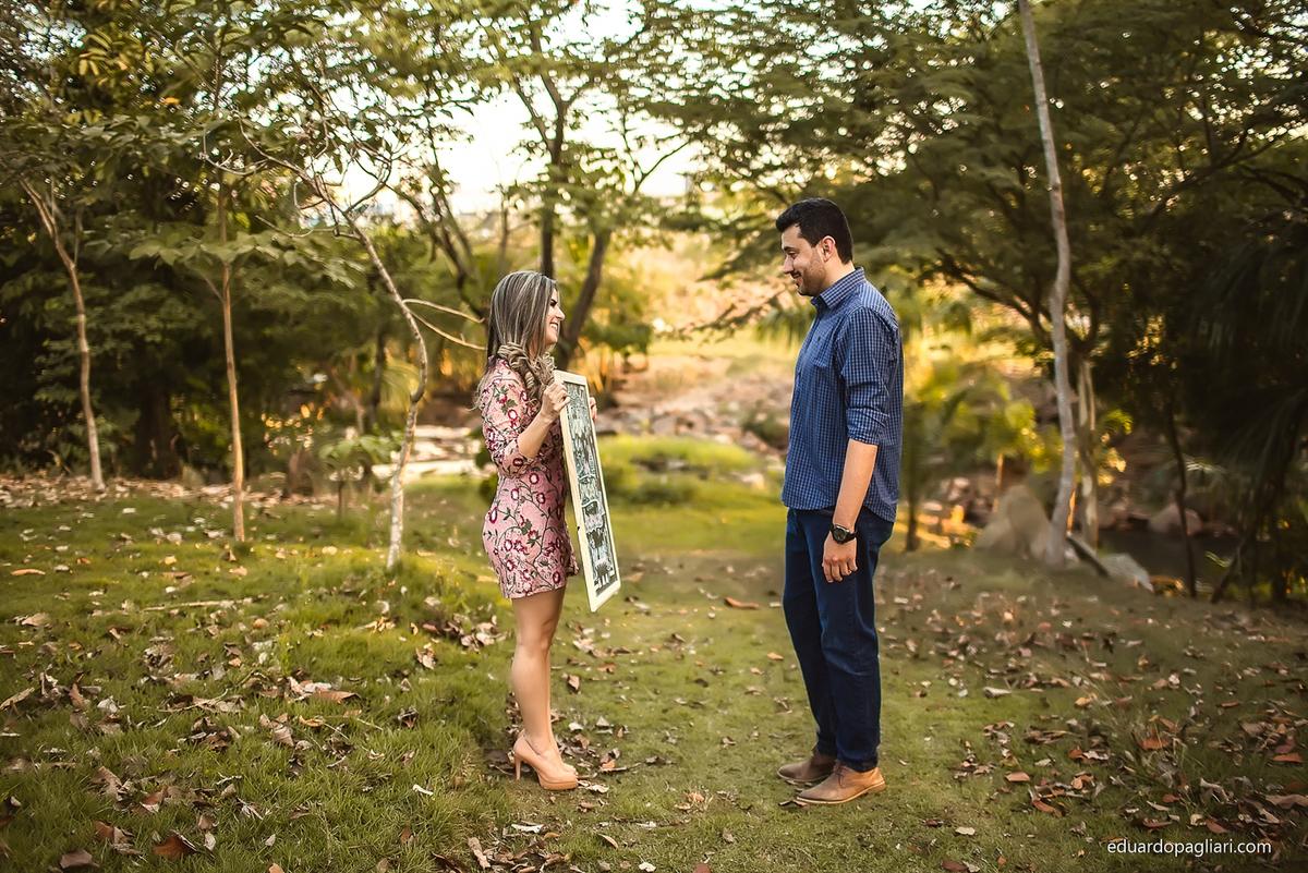 surpresa para contar gravidez ao marido ensaio revelação de gravidez